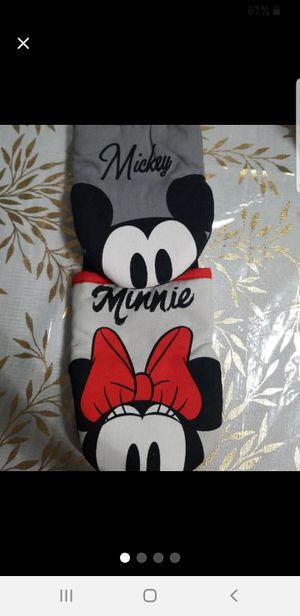 Mickey/minnie oven mitts for Sale in Pearland, TX
