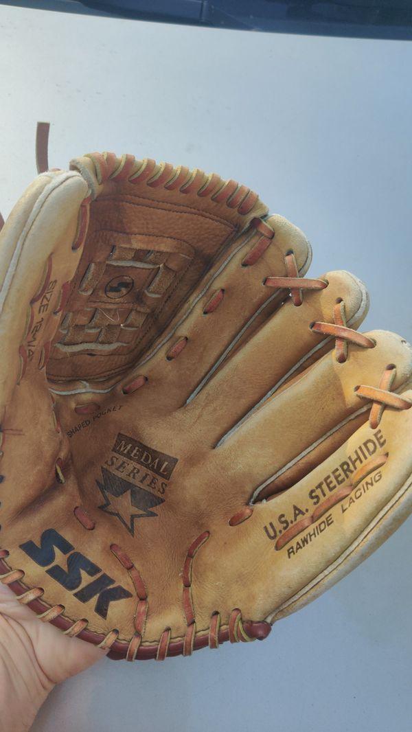 SSK baseball glove