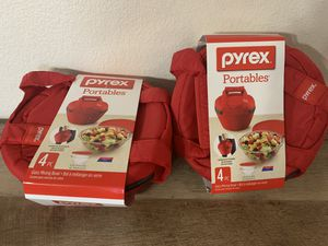 Pyrex Portables 4 pc Glass Mixing Bowl/insulated case for Sale in Las Vegas, NV