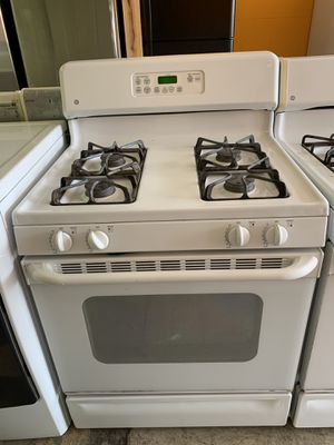 Ge Stove With Warranty for Sale in Midlothian, IL