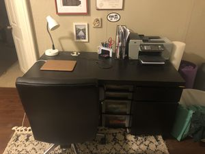 Desk and Swivel Chair for Sale in Columbus, OH