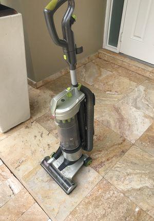 Hoover vacuum like new for Sale in Hialeah, FL