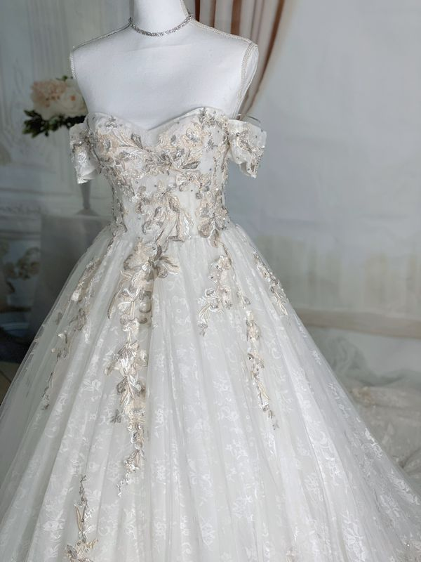 Ivory lace floral off the shoulder wedding dress/ Quinceanera&Sweet 16 dress