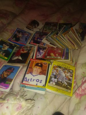 Assorted baseball cards 70's 80's 90's about 350 to 400 cards for Sale in Cleveland, TX