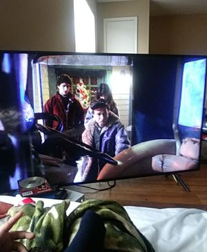 Smart tv 55 inch come with xbox one and game 500 for Sale in Lebanon, TN