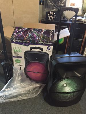 Bluetooth speaker with microphone for Sale in Lake View Terrace, CA