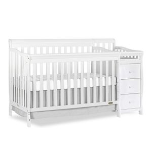 White baby crib with drawers and changing table. for Sale in Chelmsford, MA