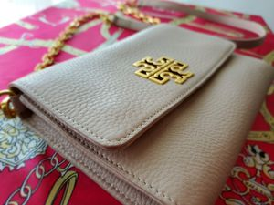 Classy & Elegant! Tory Burch Britton Chain Wallet Purse for Sale in Anaheim, CA