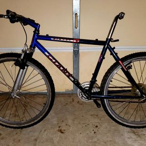 Giant Project Bike for Sale in Tampa, FL