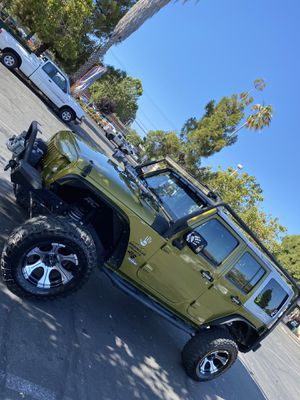 Jeep wrangler sport 2007 it's in good condition they have a lift kit 3 inches and a half 33 tires for Sale in Hayward, CA