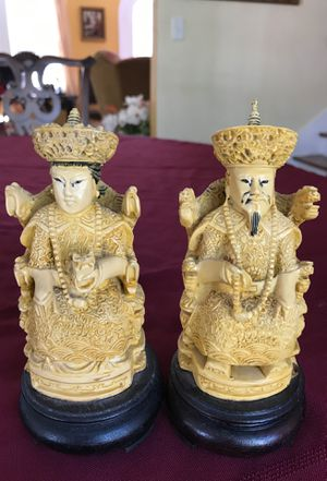 Vintage collectible Asian man and woman statues 6 1/2 inches tall composite material for Sale in West Palm Beach, FL