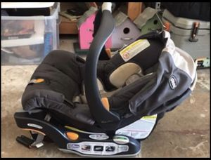 Chicco Car Seat with KeyFit Base for Sale in Fort Myers, FL