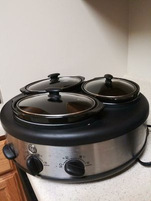 3 pot slow cooker for Sale in Mount Rainier, MD