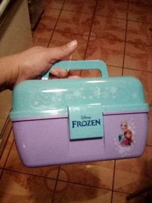 Frozen Shakespeare fishing box for Sale in Los Angeles, CA