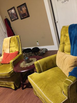 2 Chairs for Sale in Abilene, TX