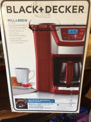 Black and Decker 12cup mill and brew coffee maker for Sale in Visalia, CA
