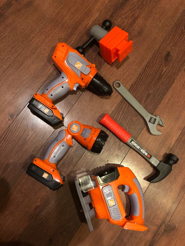 Kids black and decker Home Depot tool set toy - 6 pieces