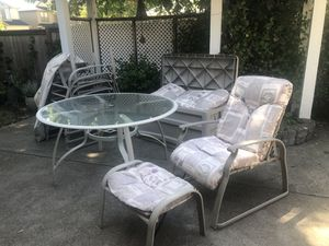 Patio furniture for Sale in Tualatin, OR