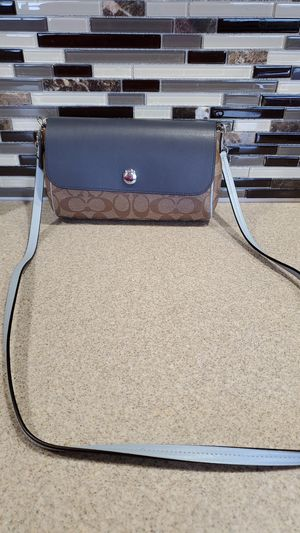 Pre-owned Coach crossbody convertible bag for Sale in Obetz, OH