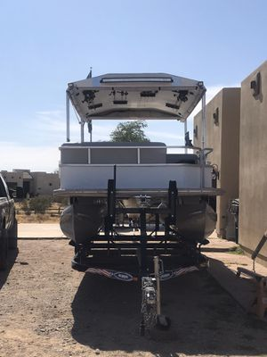 22ft pontoon boat for Sale in Surprise, AZ