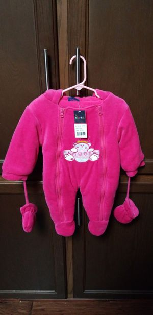 NWT Baby Girl Snowsuit Size 3-6Months for Sale in McNary, AZ