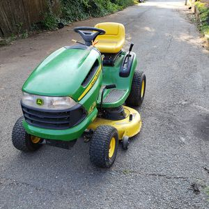John Deere LA115 Tractor Riding Lawnmower for Sale in Washington, DC