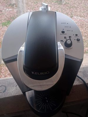 KEURIG coffee maker to make your coffee in one minute yields 4 cups for Sale in Arlington, VA