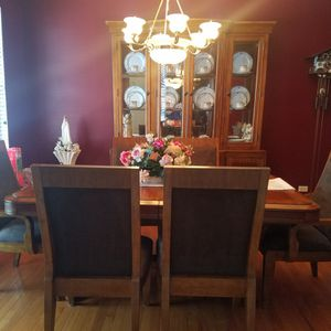 Dining Room Table And China Hutch for Sale in Hoffman Estates, IL
