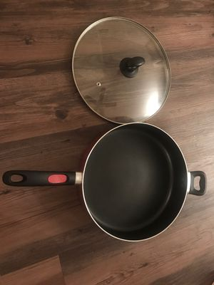 Mirro 12 inch Cooking pan with lid for Sale in Los Angeles, CA