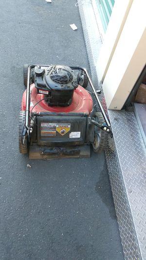 Lawn mower 550 Briggs & Stratton for Sale in San Leandro, CA