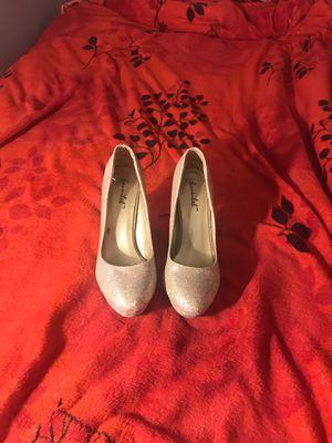 Gold-Glitter high heels for Sale in La Puente, CA