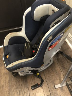 Chicco NextFit zip Car Seat for Sale in Fort Worth, TX