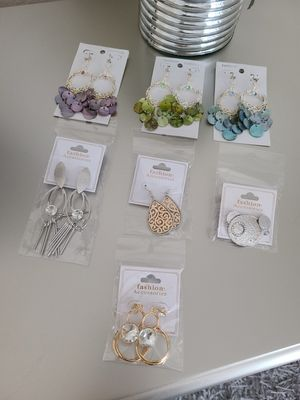 Beautiful Earrings $2 each or 3 for $5 for Sale in Fontana, CA