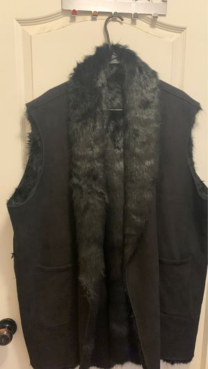 BLACK Fur Faux suede big and tall vest for Sale in Goodyear, AZ