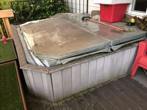Free hot tub you come and haul it away for Sale in Sherwood, OR