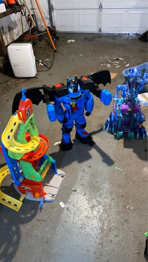 Free Imaginext Batman, Dino and FisherPrice car ramp for Sale in Tacoma, WA