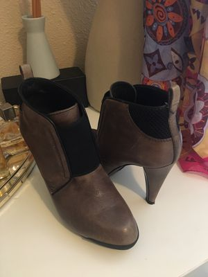Authentic Tods boots for Sale in Newcastle, WA