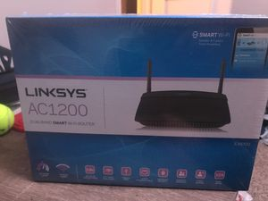 Linksys WiFi Router Dual-Band AC1200 for Sale in Largo, FL