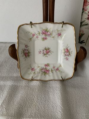 Vintage antique 4 7\8 inches x 4 4\8 inches PARAGON BONE CHINA VICTORIANA ROSE MADE IN ENGLAND for Sale in Hialeah, FL