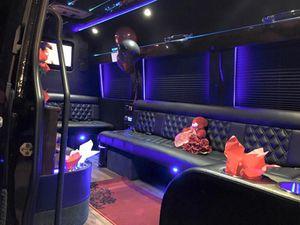 Valentine's limo ride for Sale in Braselton, GA