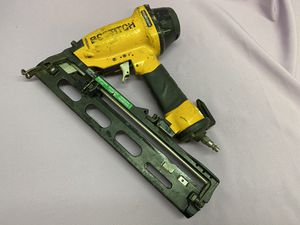 """Bostitch Magnesium N62FN-2 1""""-2 1/2"""" Fastener Angled Finish Nailer Nail Gun! Works Great! for Sale in Los Angeles, CA"""