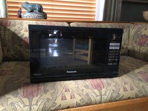 Panasonic microwave for Sale in Lansing, MI