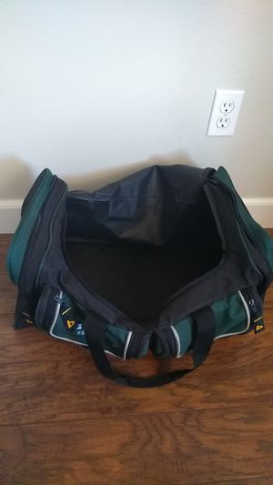 XL Sports Equipment/Gym Duffle Bag for Sale in Wilsonville, OR