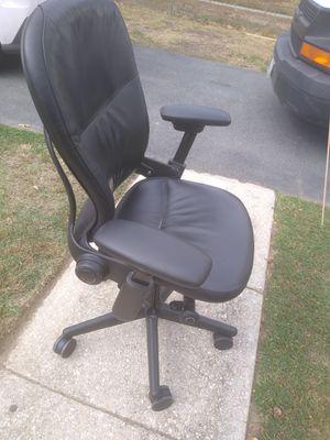 Silla de oficina for Sale in Falls Church, VA