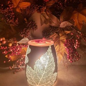 Scentsy Gold Leaf Warmer for Sale in Houston, TX