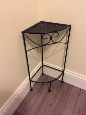 Small corner shelf for Sale in St. Petersburg, FL