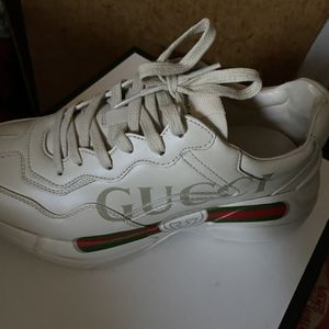 Gucci Size 6 for Sale in Philadelphia, PA
