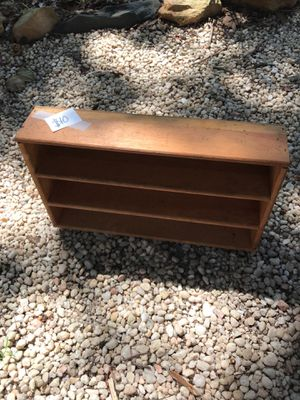 Small shelving unit for Sale in Cramerton, NC