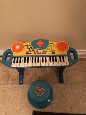 Kids Play Piano and Chair for Sale in Oak Brook, IL