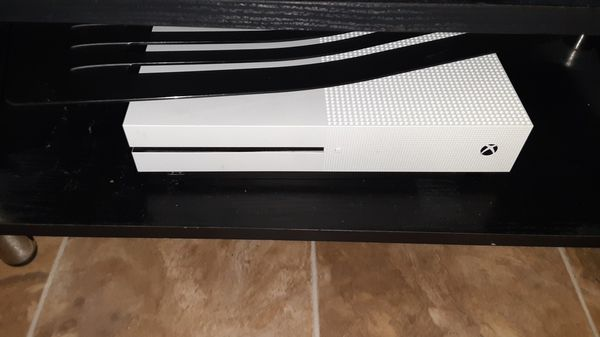 Xbox one s 170, TV 50, TV stand 50, turtle beach headset 40!